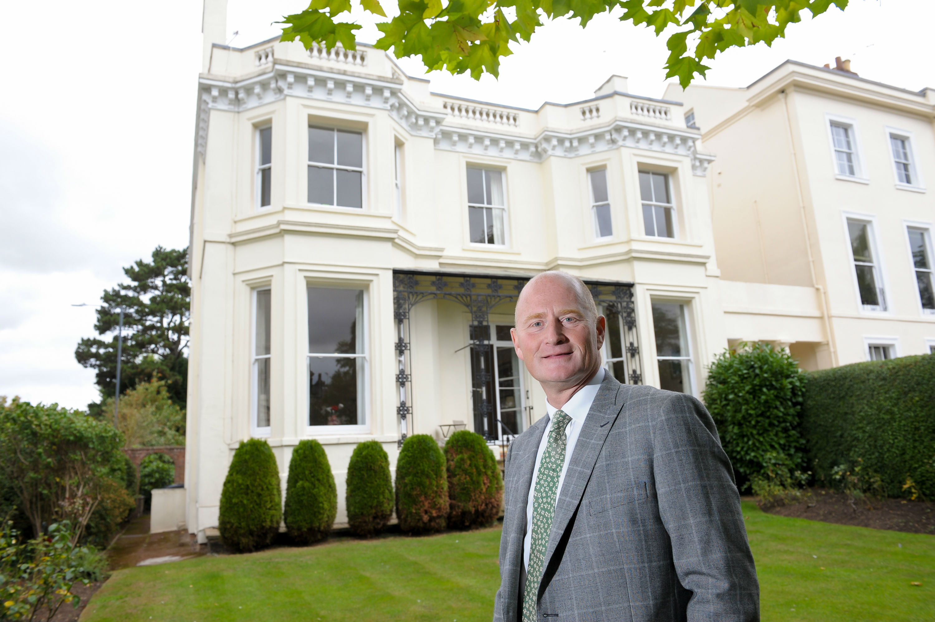 ehB Reeves offering £1.8m Regency Villa in Leamington
